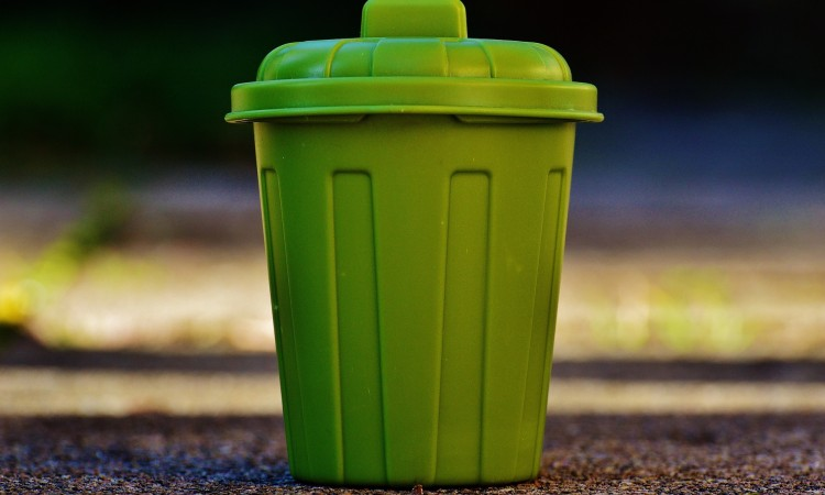 garbage-can-1111449_1920